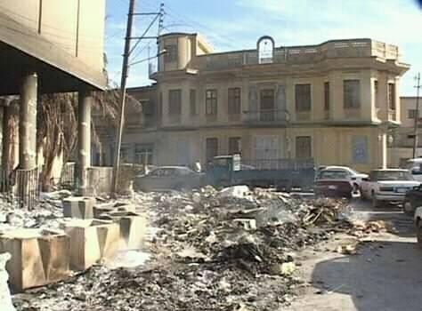 Somalie — Jubaland : Un attentat-suicide à la voiture piégée a visé l'hôtel Madiina ou Cascasey de Kismaayo et début d'une guerre civile ce soir dans la ville.